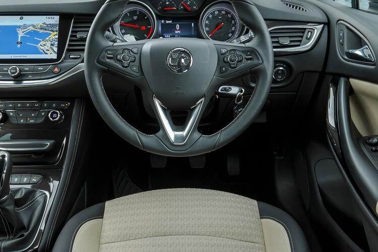 Vauxhall Astra Sports Tourer 1.4 i Turbo 145PS SRi Nav 5Dr CVT [Start Stop] inside view